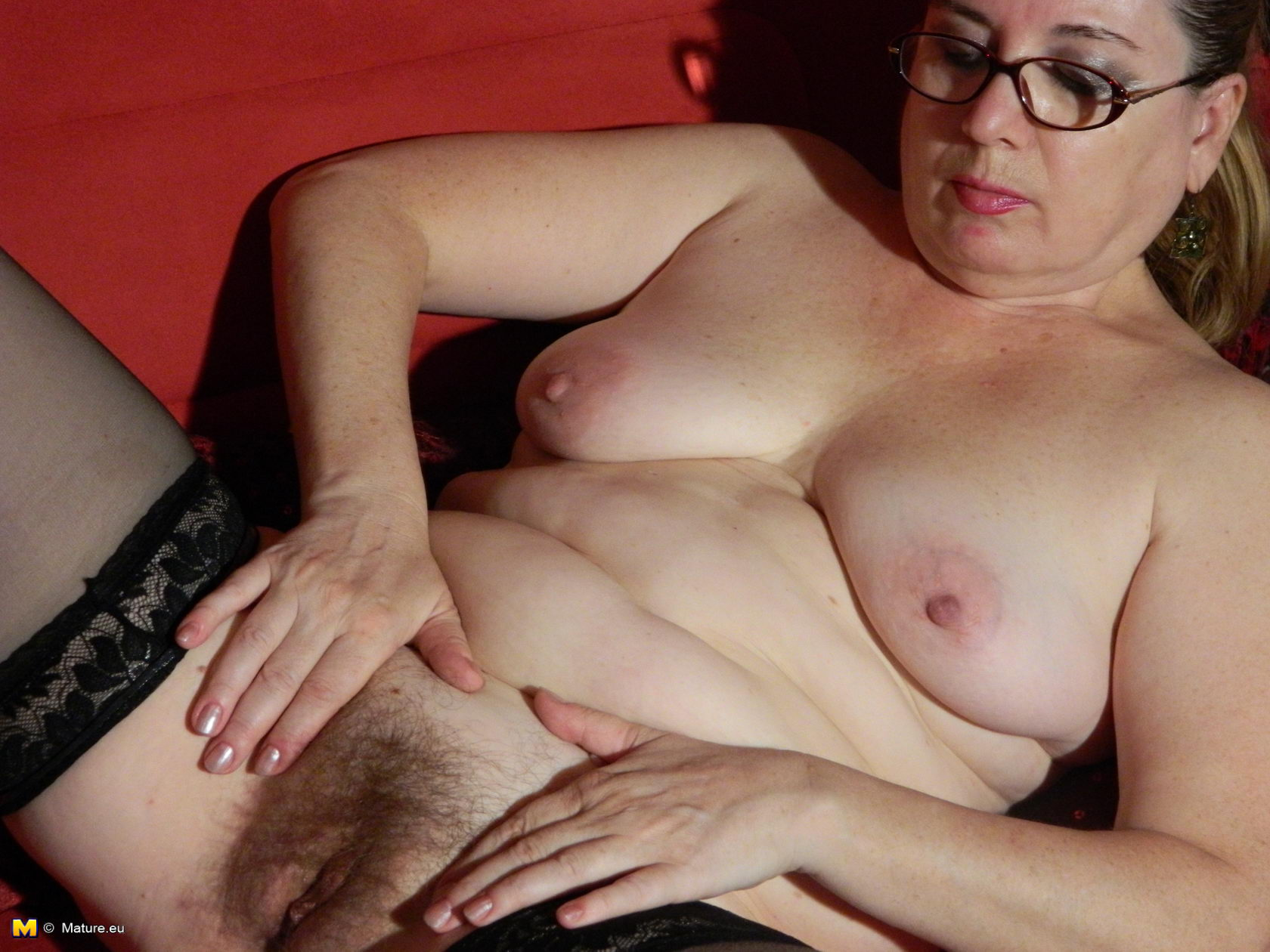Hairy mature housewives