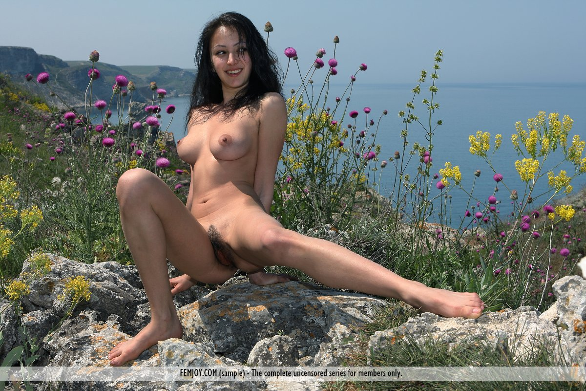 nude-island-pussy-sexguide-how-to-suck