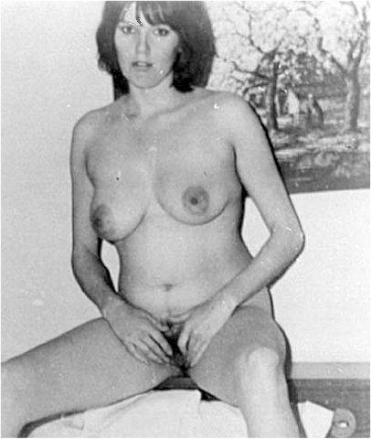 valuable nude females pics