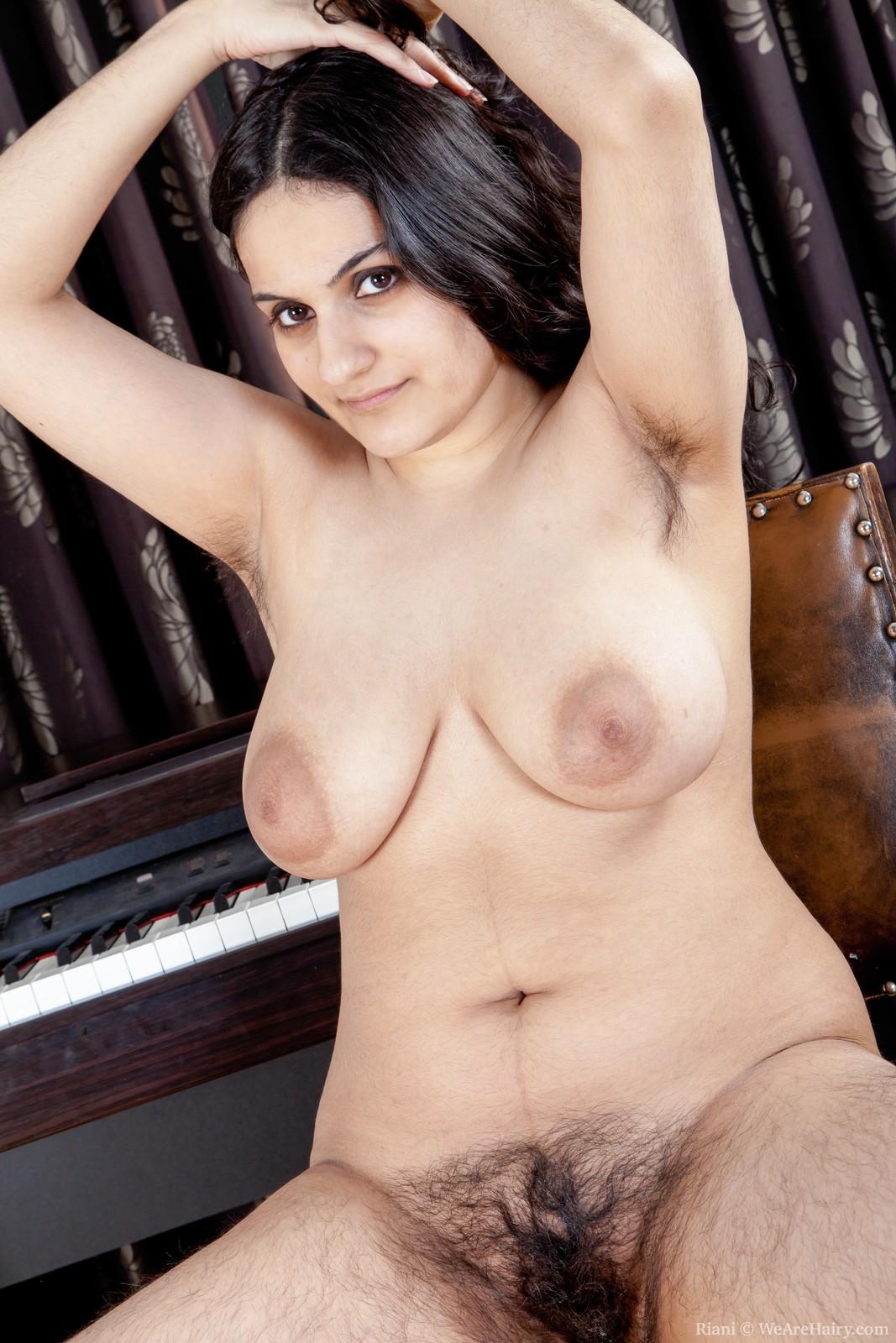 hot nude beach body girl