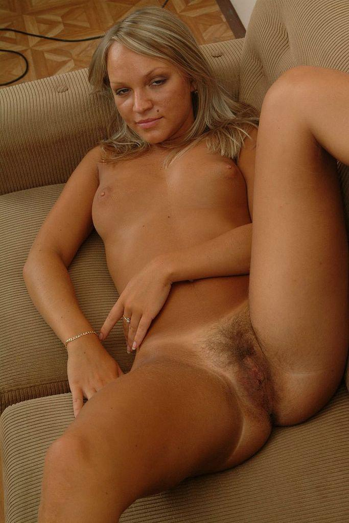 Hairy pussy with hottie