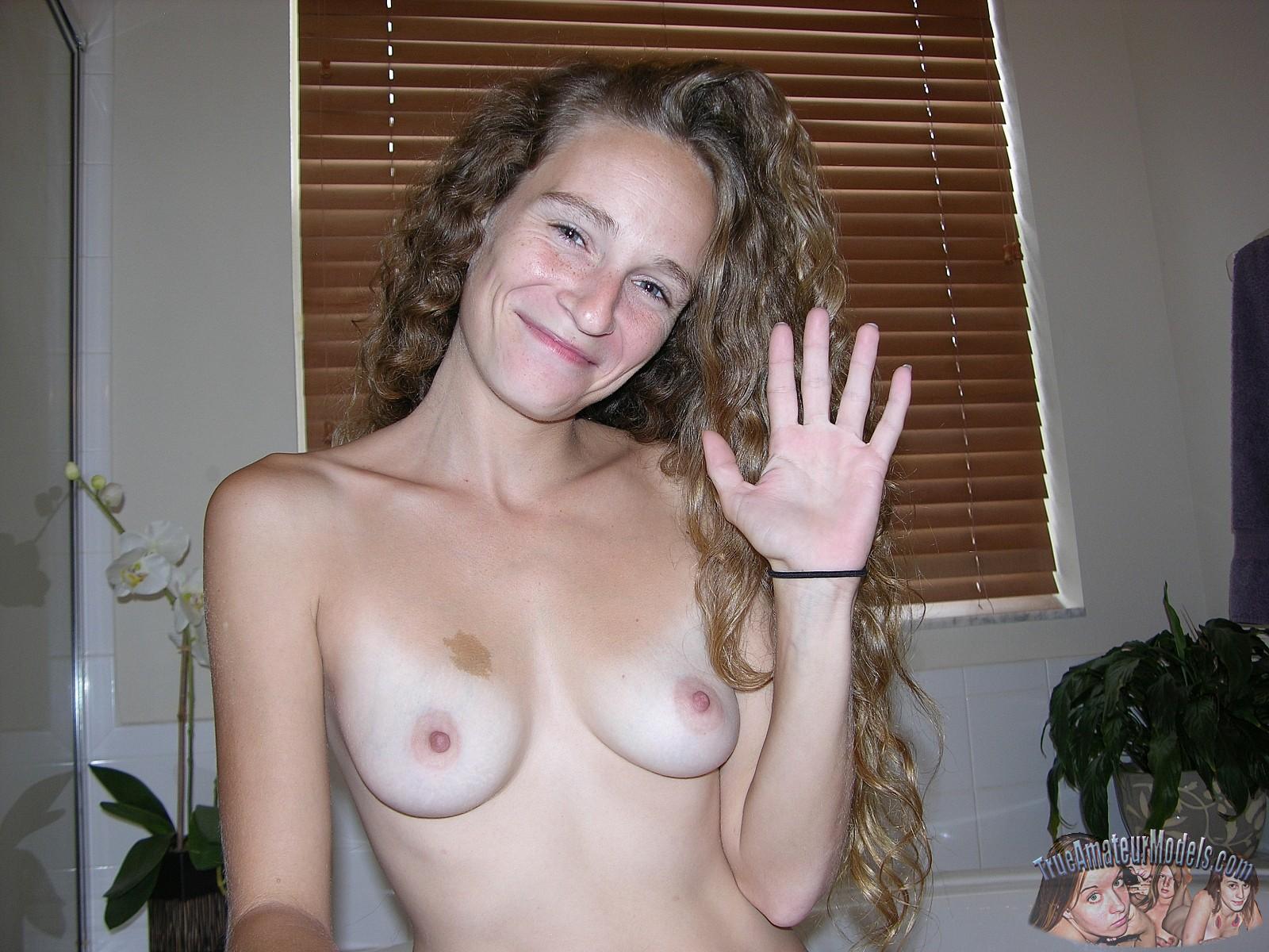 Sexy girl masturbating squirt gif hd
